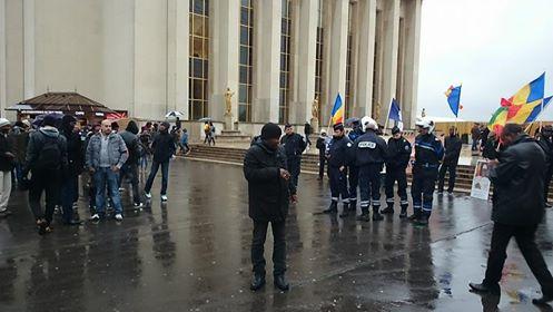 Opération coup de poing de la diaspora tchadienne de France contre la manif du MPS qui a loué les maliens